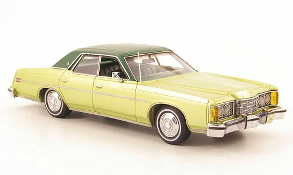 Ford LTD 1973 1/43 American Excellence verte miniature