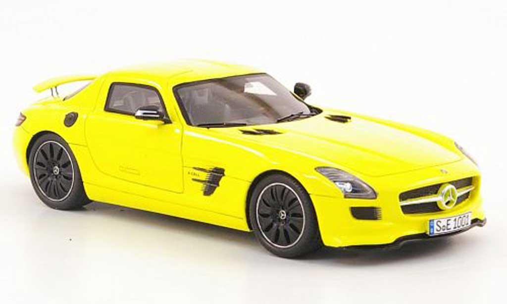 Mercedes SLS 1/43 Spark AMG E-Cell jaune 2010 miniature
