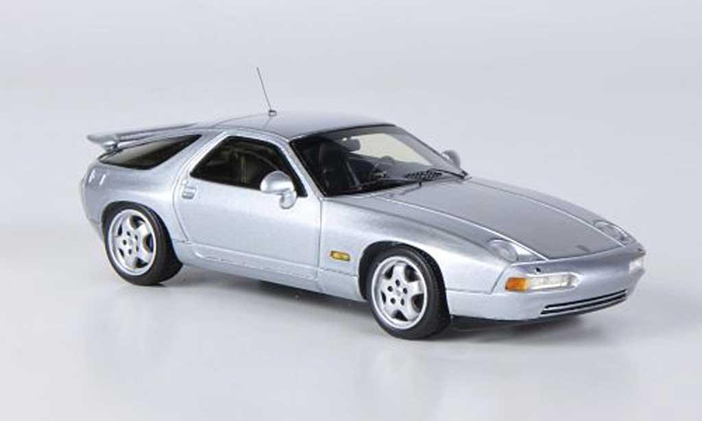 Porsche 928 1982 1/43 Spark GTS grise miniature