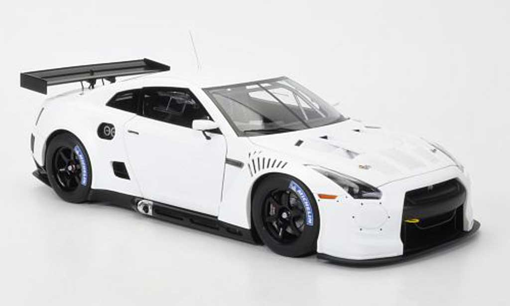 nissan skyline r35 miniature gt r matt blanche fia gt1. Black Bedroom Furniture Sets. Home Design Ideas