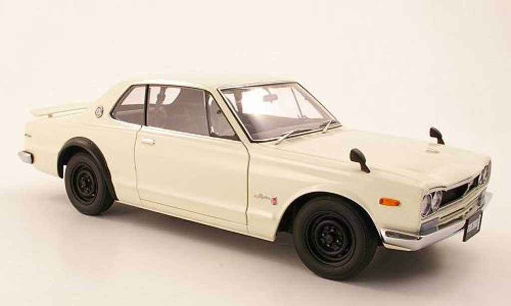 Nissan Skyline 2000 1/18 Autoart GTR (KPGC 10) blanche RHD 1969 miniature