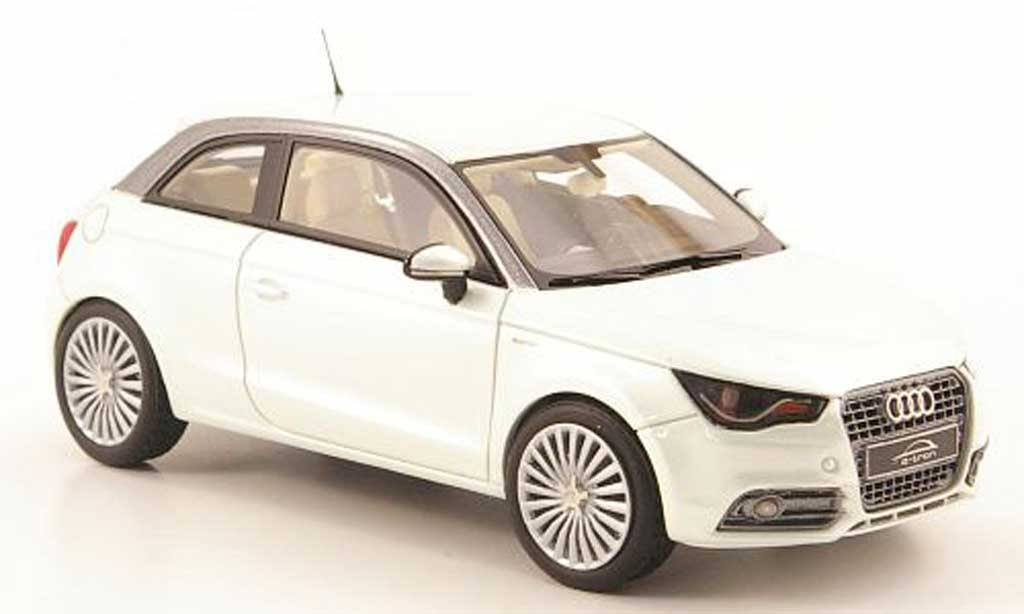 Audi A1 1/43 Look Smart e-tron grise verte miniature