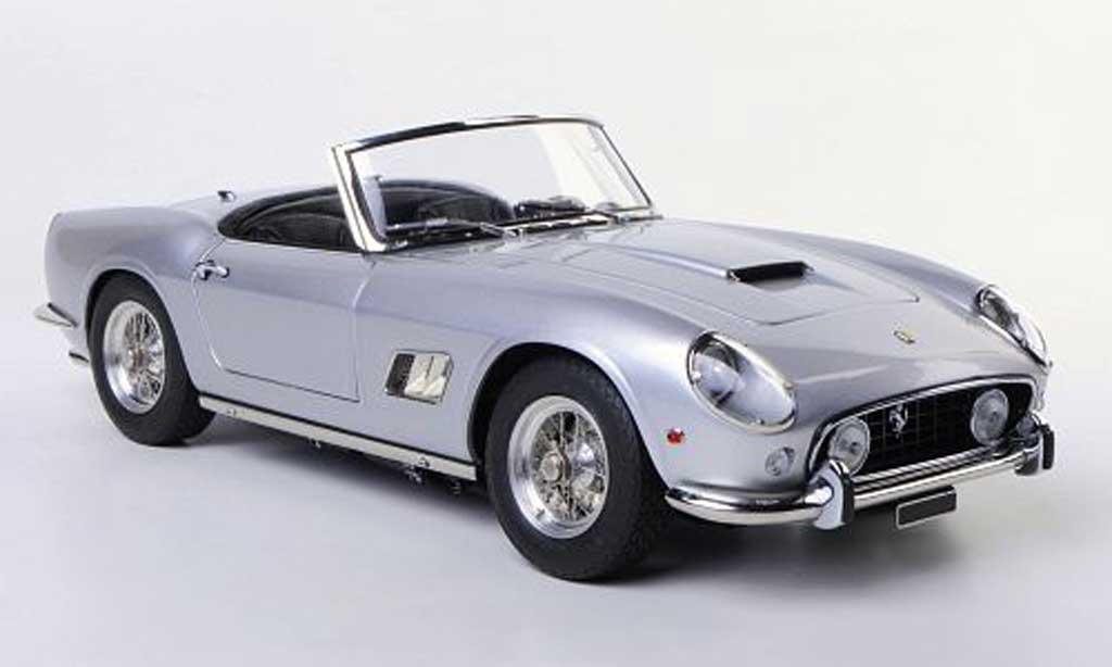 Ferrari 250 GT 1961 1/18 CMC SWB California Spyder grise miniature