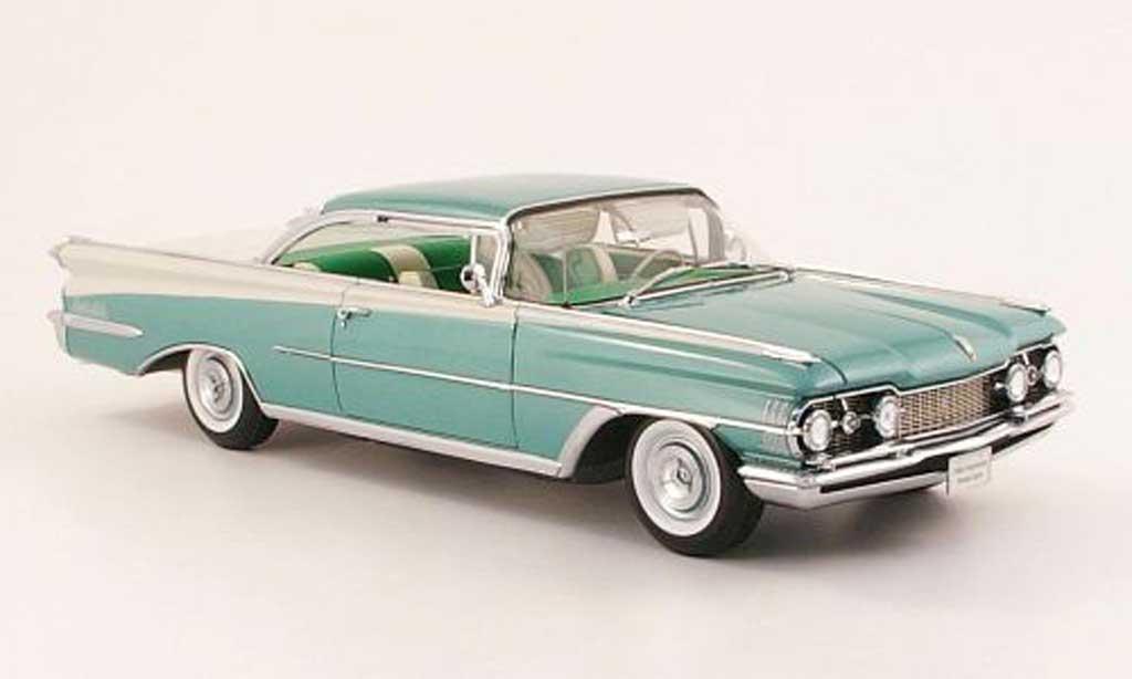 Oldsmobile 98 1/18 Sun Star HardTop green/white 1959 diecast