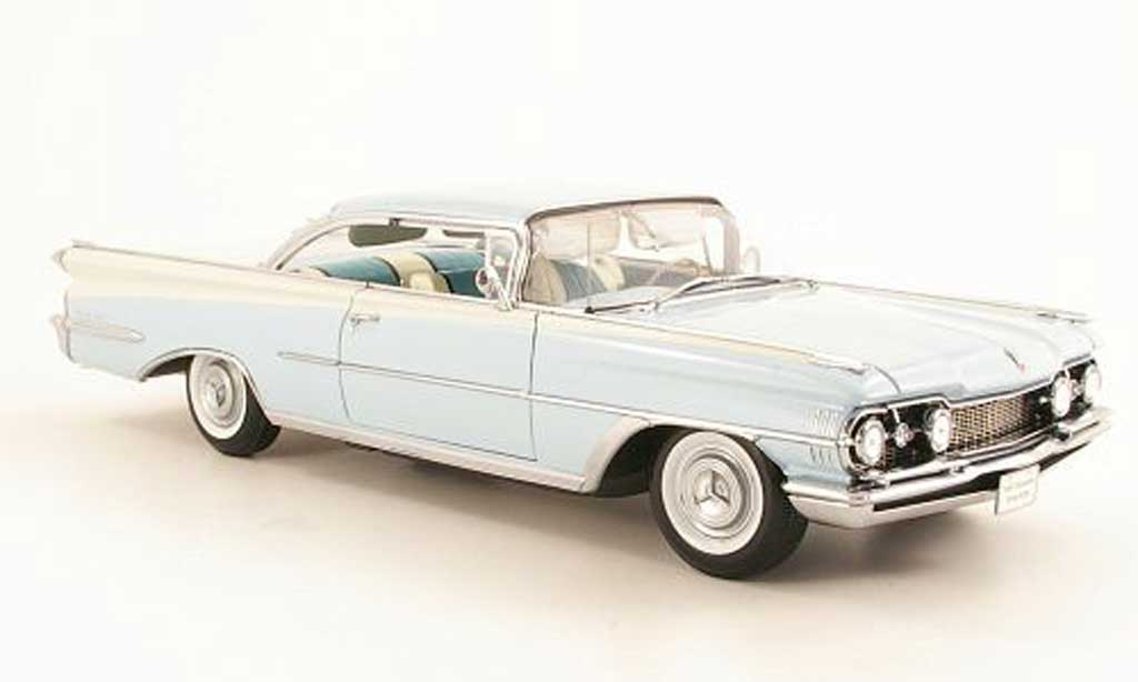Oldsmobile 98 1/18 Sun Star Hardtop bleu/blanche 1959 miniature