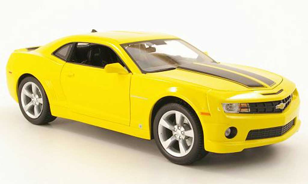 chevrolet camaro ss rs miniature jaune avec bandes noires 2010 maisto 1 18 voiture. Black Bedroom Furniture Sets. Home Design Ideas