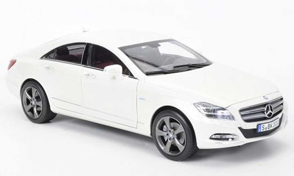 mercedes cls 350cgi weiss 2010 norev modellauto 1 18 kaufen verkauf modellauto online. Black Bedroom Furniture Sets. Home Design Ideas