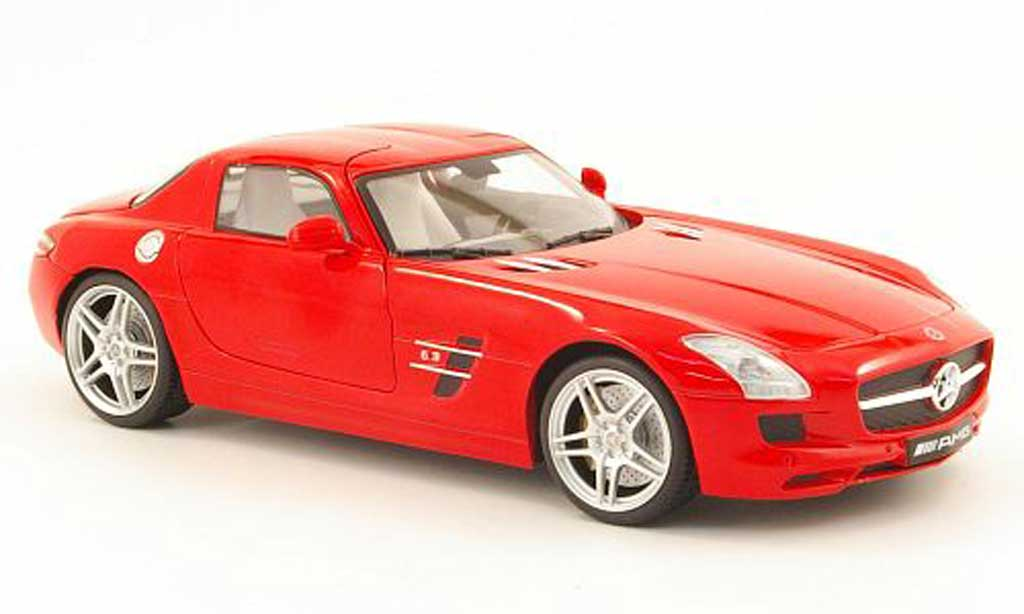 Mercedes SLS 1/18 Mondo Motors coupe amg rouge miniature