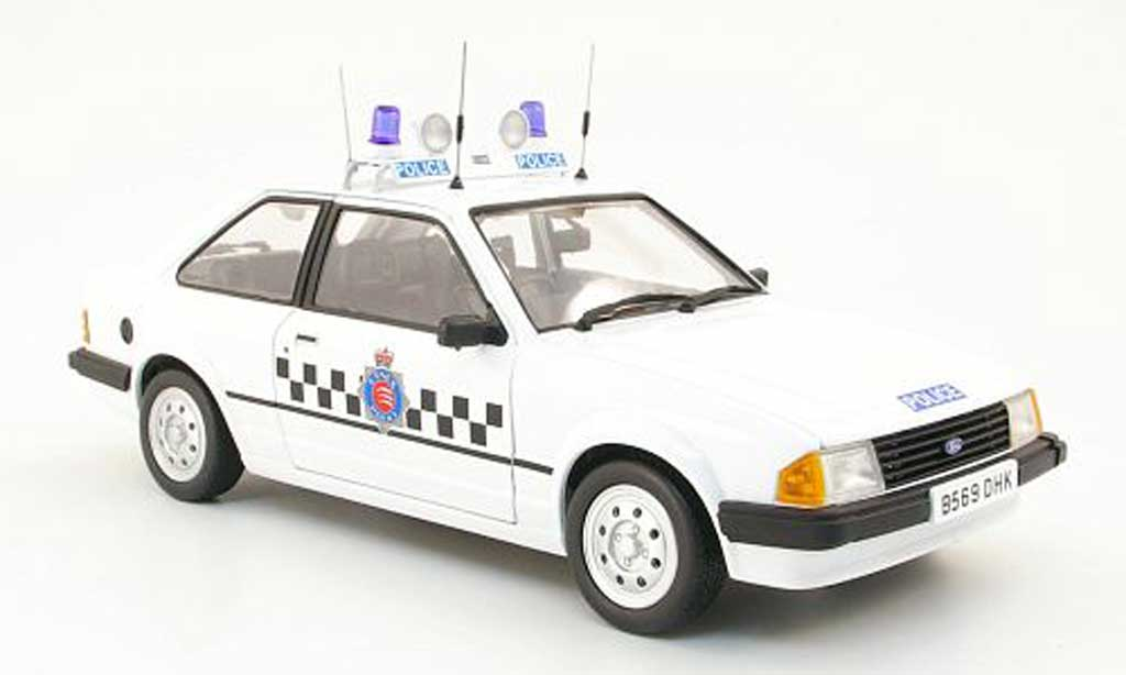 Ford Escort MK3 1/18 Model Icons mkiii 1.1l section car essex police 1987 miniature