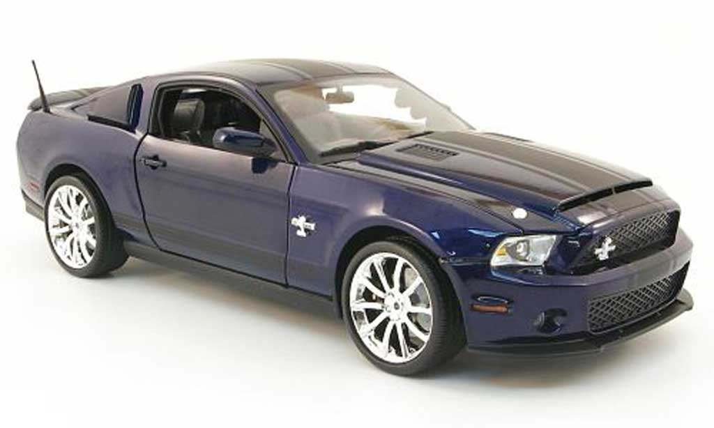 Shelby GT 500 1/18 Shelby Collectibles super snake bleu 2010 miniature
