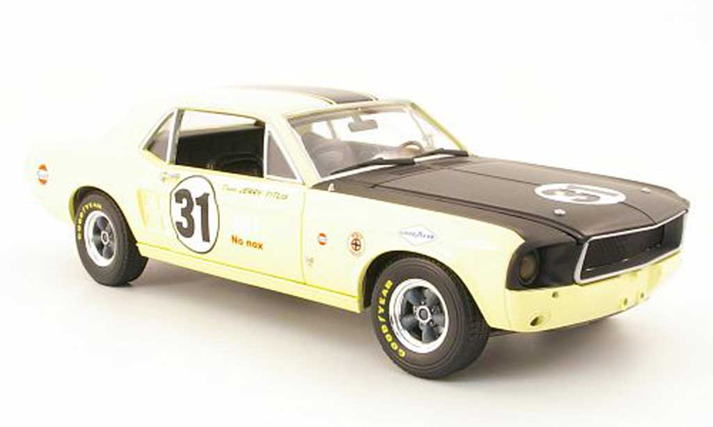 Ford Mustang 1967 1/18 Greenlight t/a no.31 jerry titus miniature