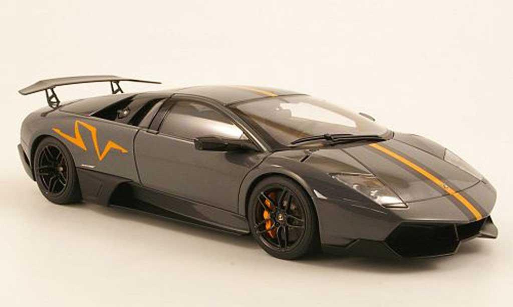 Diecast Lamborghini Murcielago LP640 1/18 Autoart SV gray