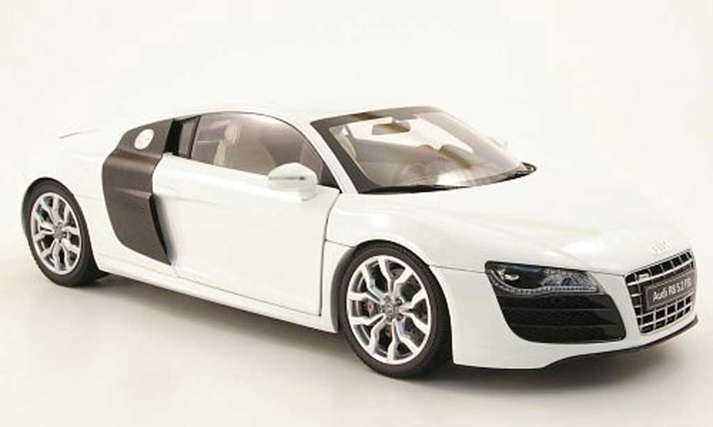 audi r8 5 2 fsi v10 weiss 2009 kyosho modellauto 1 18 kaufen verkauf modellauto online. Black Bedroom Furniture Sets. Home Design Ideas