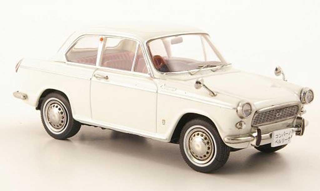 Daihatsu Compagno 1/43 Ebbro Berlina 800 blanche miniature