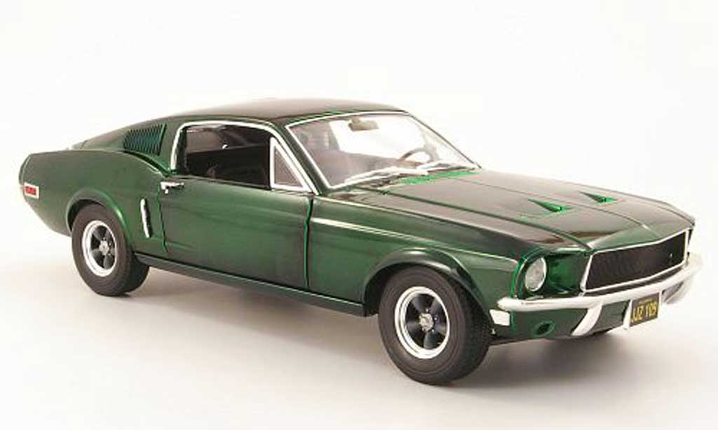 Miniature Ford Mustang Bullit Mc Queen gt verte 1968 chrome edition Greenlight. Ford Mustang Bullit Mc Queen gt verte 1968 chrome edition miniature 1/18