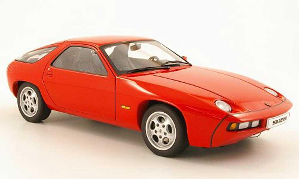 Porsche 928 1977 rosso Autoart. Porsche 928 1977 rosso modellini 1/18