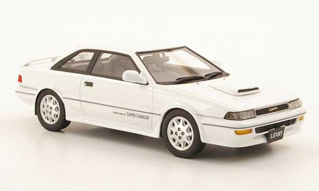 Toyota Corolla Levin 1/43 Hi Story GT-Z blanche RHD 1989 miniature