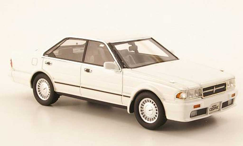 Nissan Cedric 1/43 Hi Story Gran Turismo SV (Y31) blanche RHD 1989 miniature