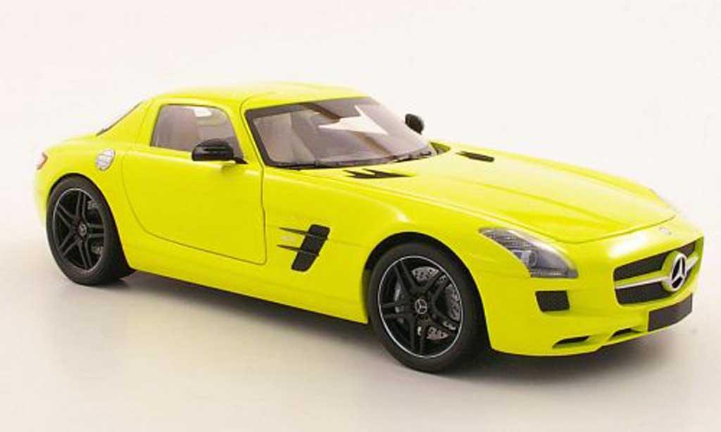 Miniature Mercedes SLS coupe AMG (C197) jaune 2010 Minichamps. Mercedes SLS coupe AMG (C197) jaune 2010 AMG miniature 1/18