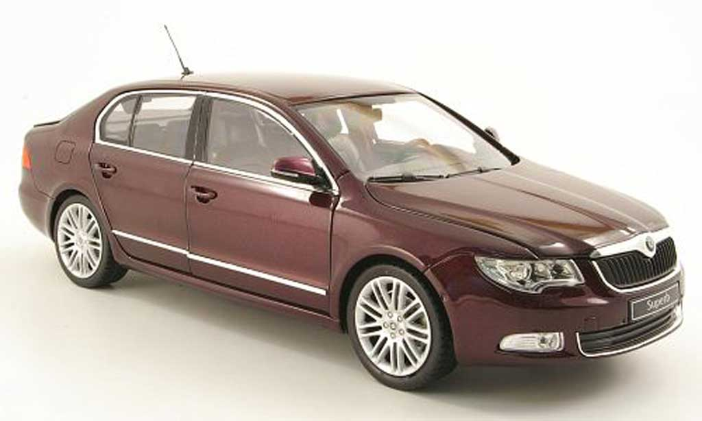 Skoda Superb 2008 1/18 Abrex Superb II rouge 2008 miniature