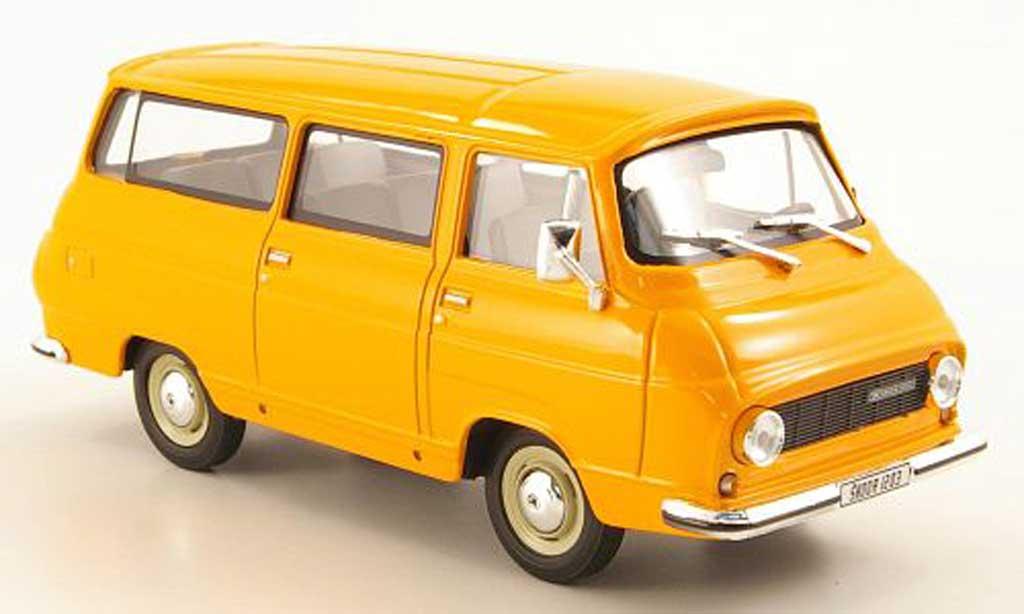 Skoda 1203 1/43 Abrex Lieferwagen orange miniature