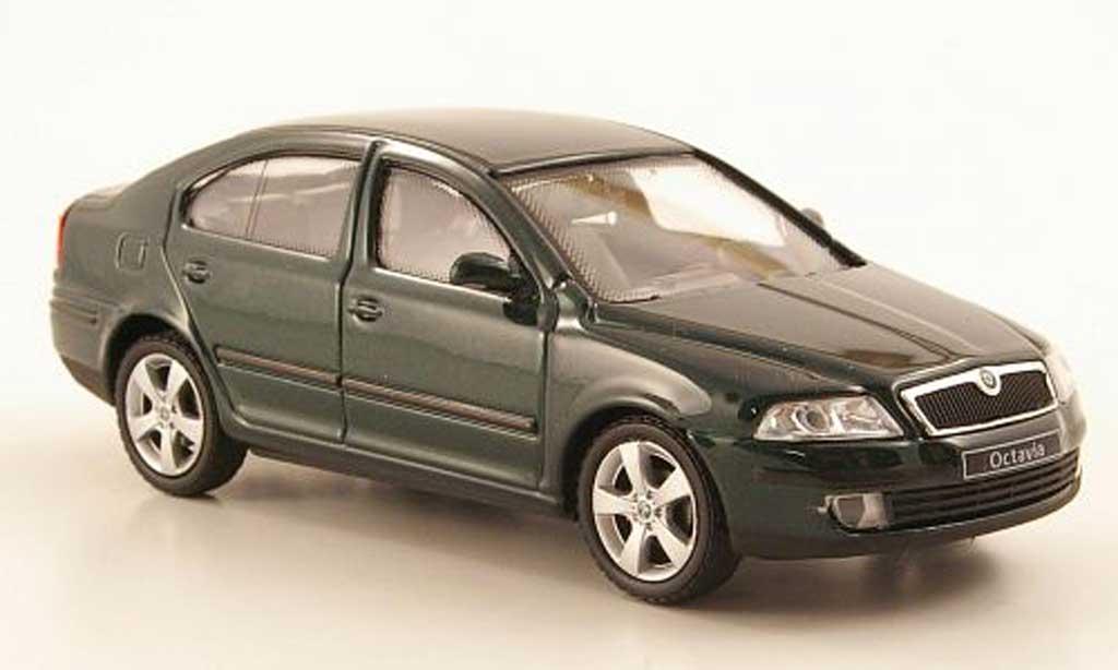 skoda octavia limousine verde abrex modellini auto 1 43. Black Bedroom Furniture Sets. Home Design Ideas
