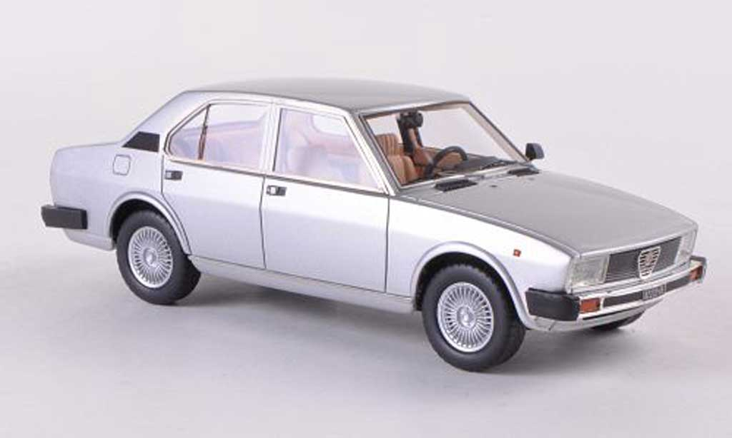 alfa romeo alfetta 2000 1980 silber neo modellauto 1 43. Black Bedroom Furniture Sets. Home Design Ideas