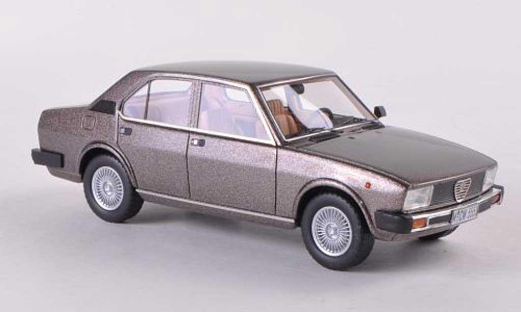 Alfa Romeo Alfetta 2000 1980 grigio braun Neo Limited 300. Alfa Romeo Alfetta 2000 1980 grigio braun modellini 1/43