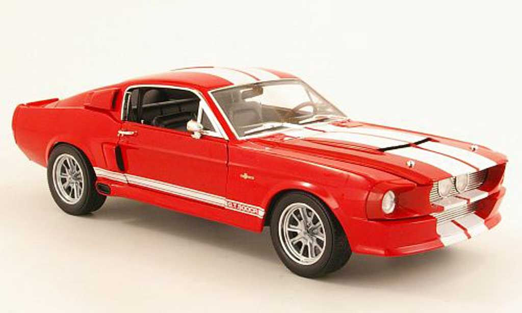 Shelby GT 500 CR 1/18 Shelby Collectibles rouge/blanche 1967 miniature