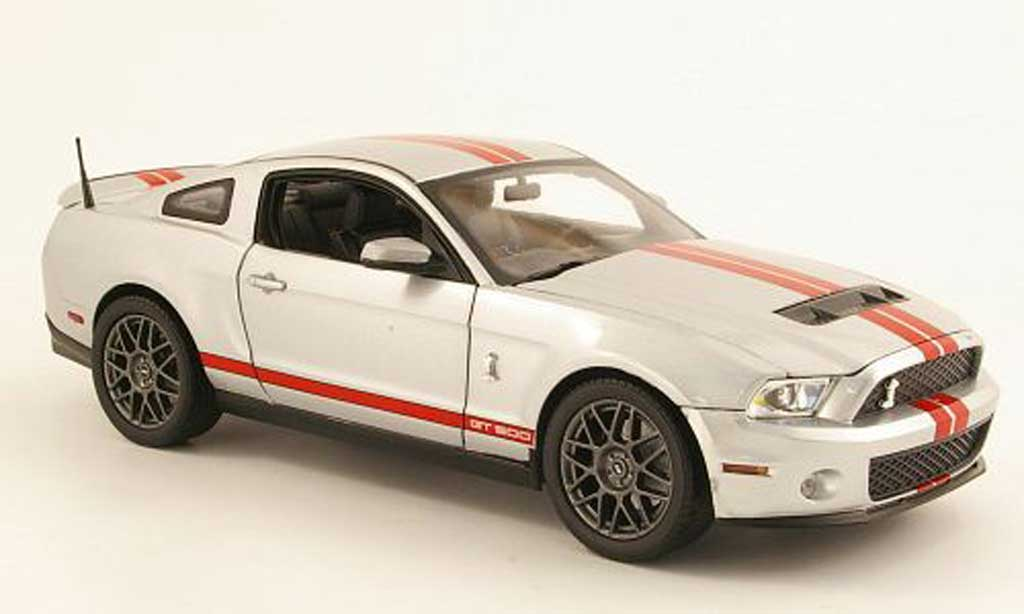 Shelby GT 500 1/18 Shelby Collectibles grise metallisee/rouge 2011 miniature
