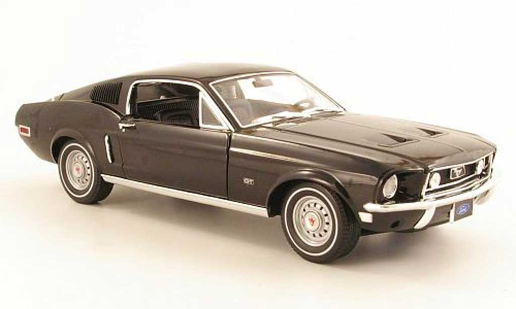 Ford Mustang 1968 1/18 Greenlight GT 2+2 Fastback noire miniature