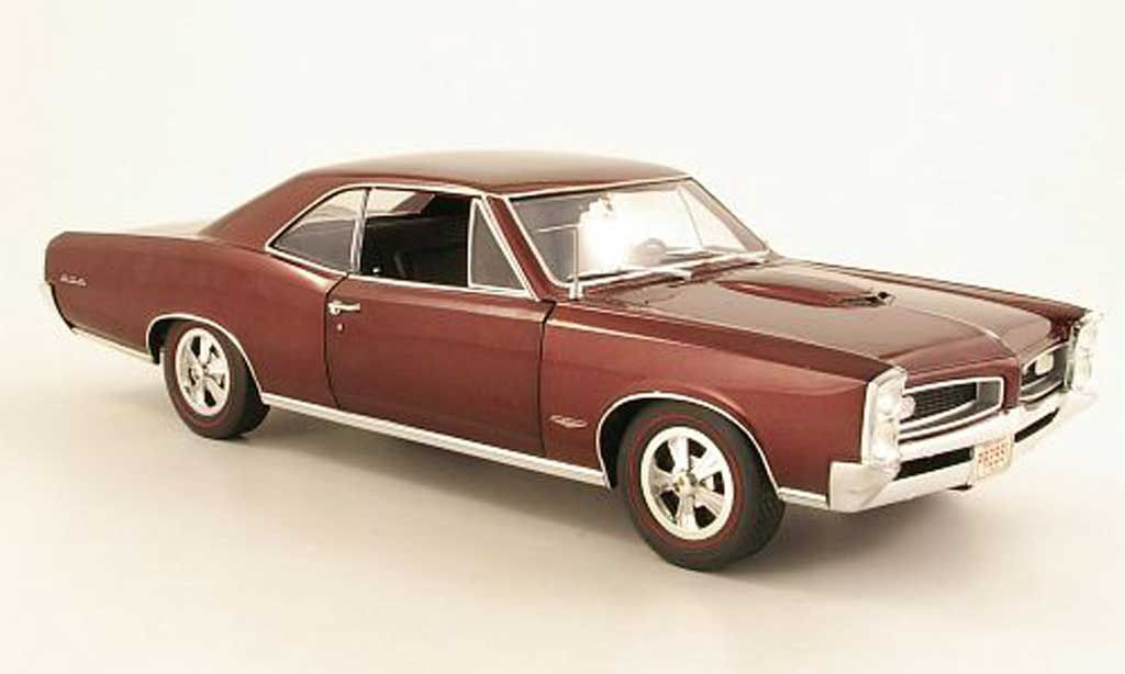Pontiac GTO 1/18 Highway 61 rouge 1966 miniature