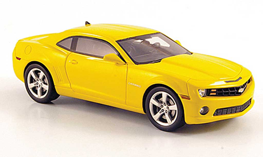chevrolet camaro ss 2011 miniature jaune luxury collectibles 1 43 voiture. Black Bedroom Furniture Sets. Home Design Ideas