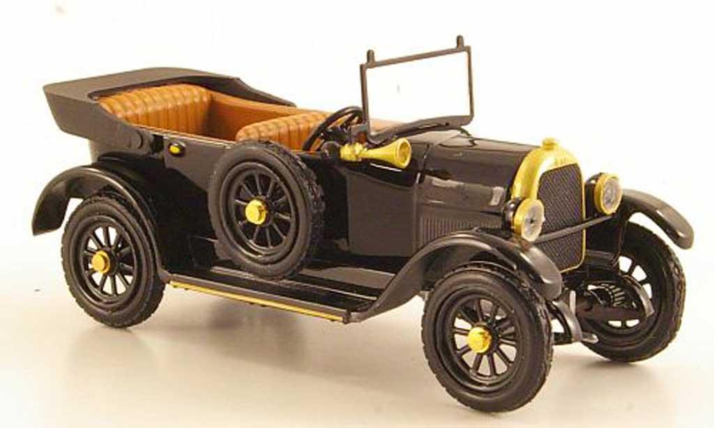 Fiat 501 1/43 Rio noire avec Figur 1925 miniature