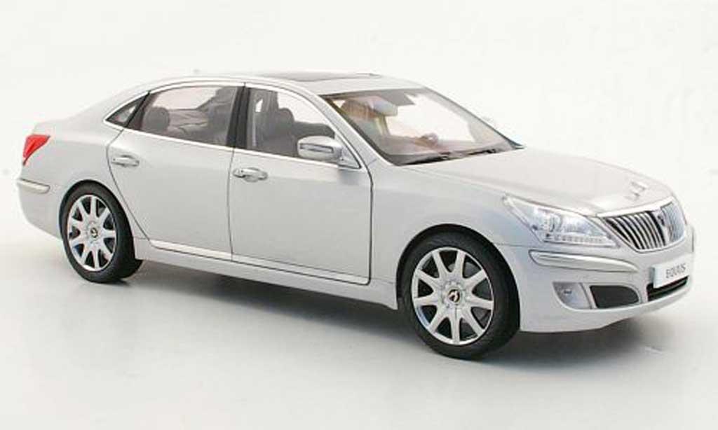 Hyundai Equus 1/18 Minikraft grise metallise miniature