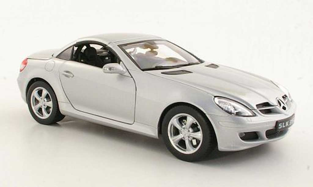 Mercedes Classe SLK 1/18 Welly 350 (R171) grise metallisee 2004 miniature
