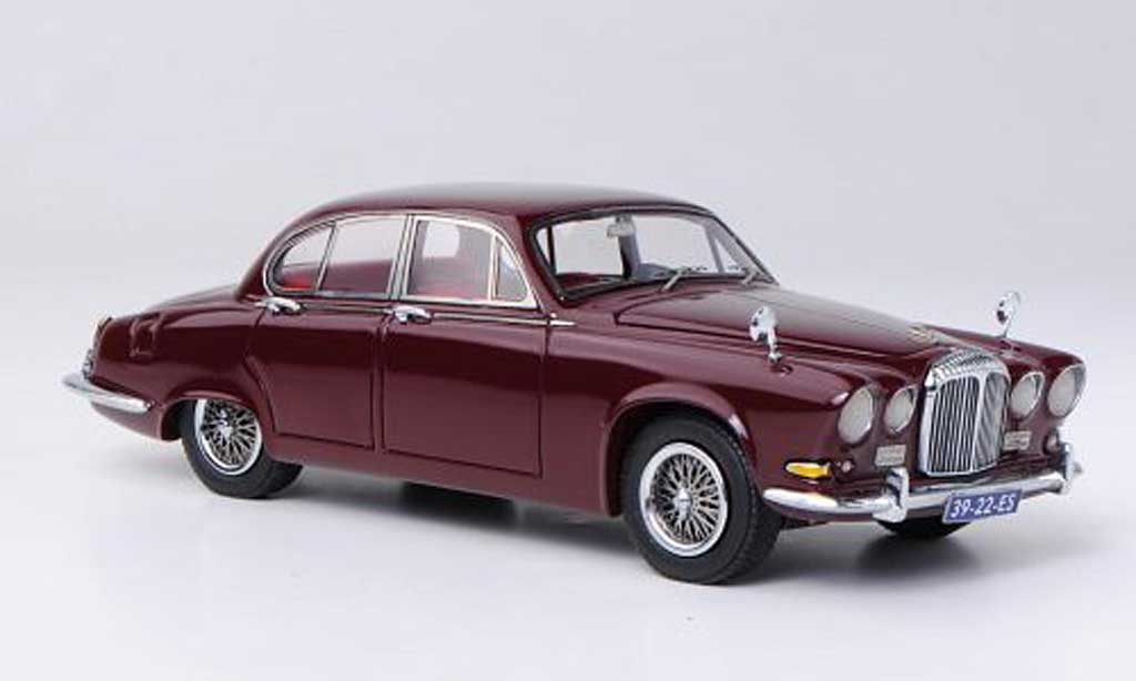 Diecast Model Cars Daimler Sovereign 1 43 Neo Red Lhd 1967 Alldiecast Co Uk