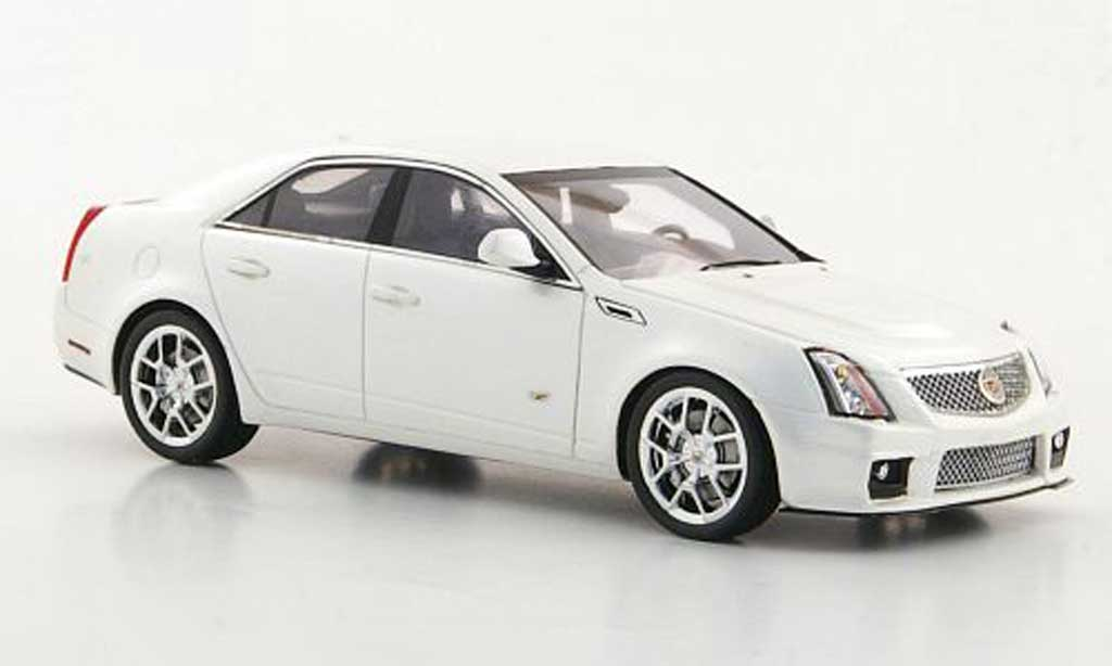 Cadillac CTS-V 1/43 Luxury Collectibles blanche 2011 miniature