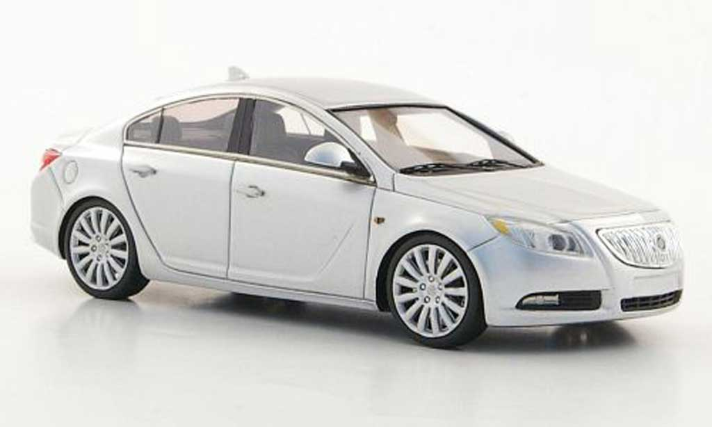 Buick Regal 1/43 Luxury Collectibles grise  2011 miniature