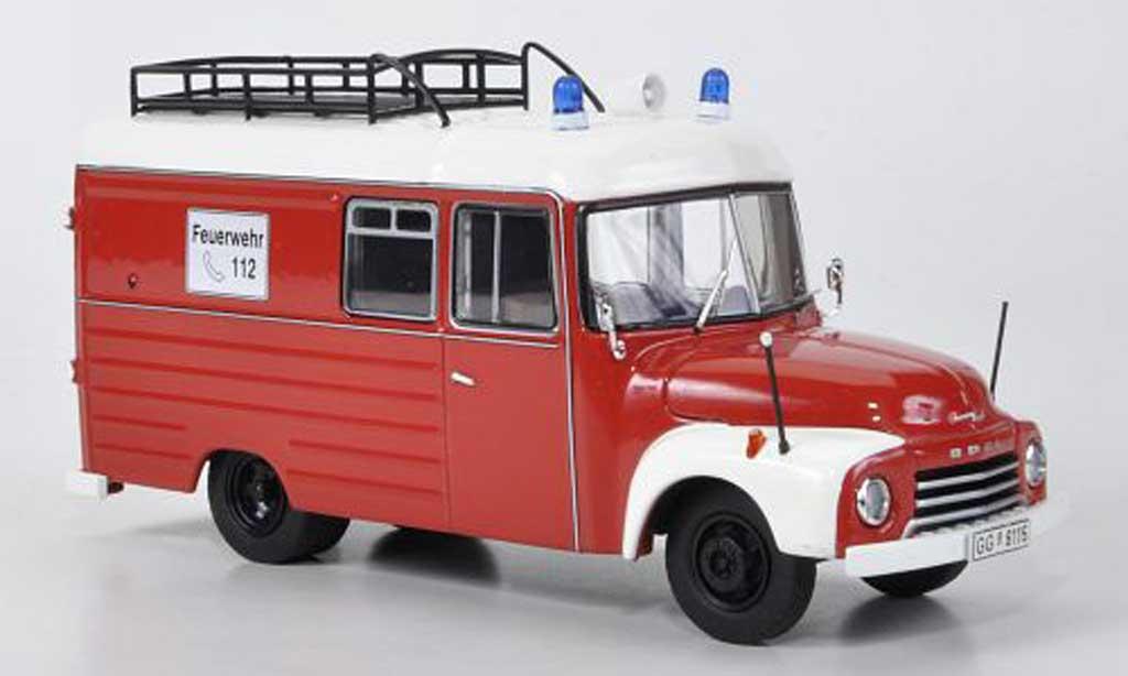 Opel Blitz 1/43 Premium ClassiXXs 1.75t pompier rouge/blanche miniature