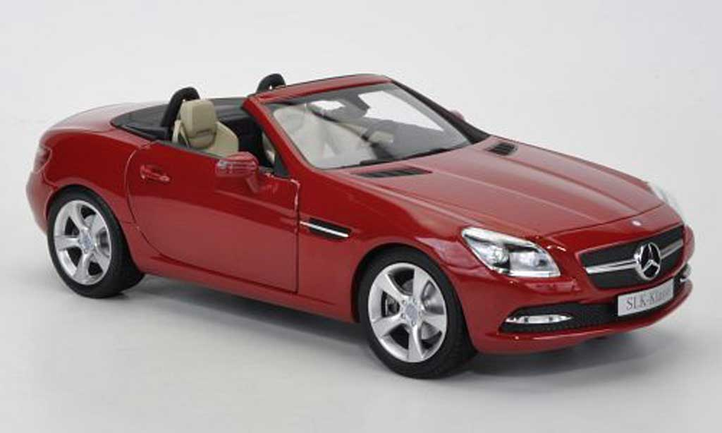 Mercedes Classe SLK 1/18 Minichamps rouge 2011 miniature