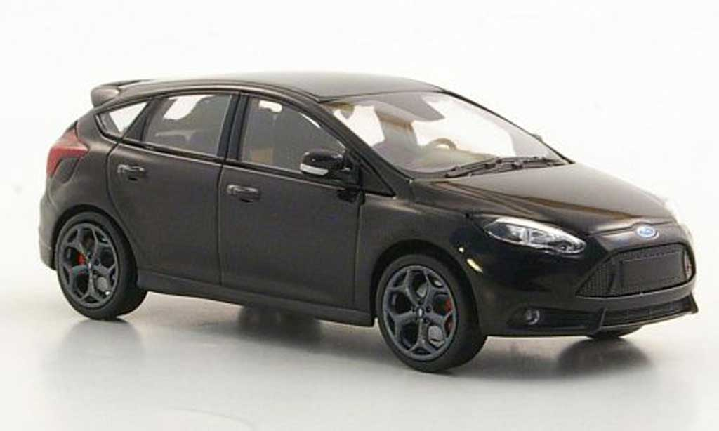 Ford Focus ST 1/43 Minichamps noire 2011 miniature