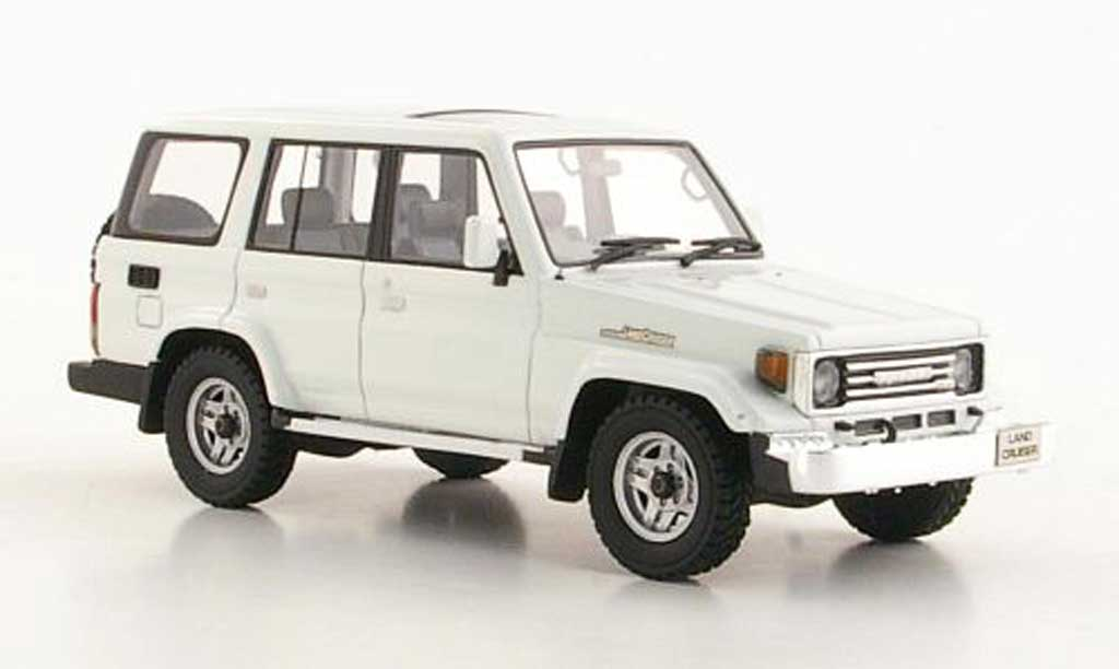 Toyota Land Cruiser 1/43 Hi Story 70 blanche RHD 1990 miniature