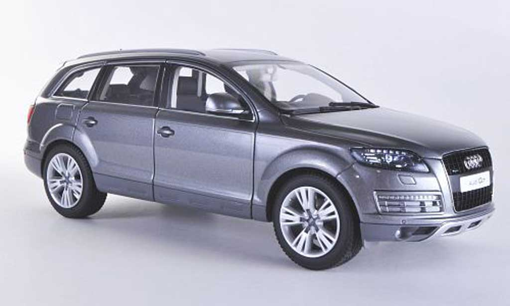 Audi Q7 1/18 Kyosho grise 2009