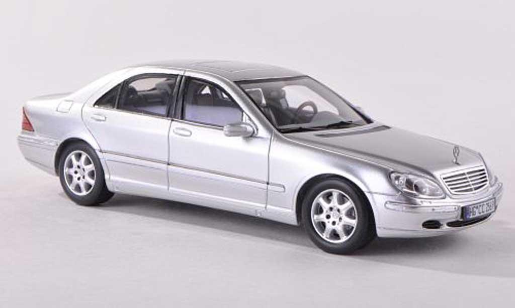 Mercedes W 220 1/43 Spark S classe d miniature