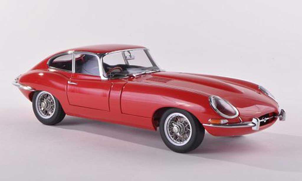 Jaguar E-Type 1961 1/18 Autoart 1961 Coupe serie I 38 red diecast model cars