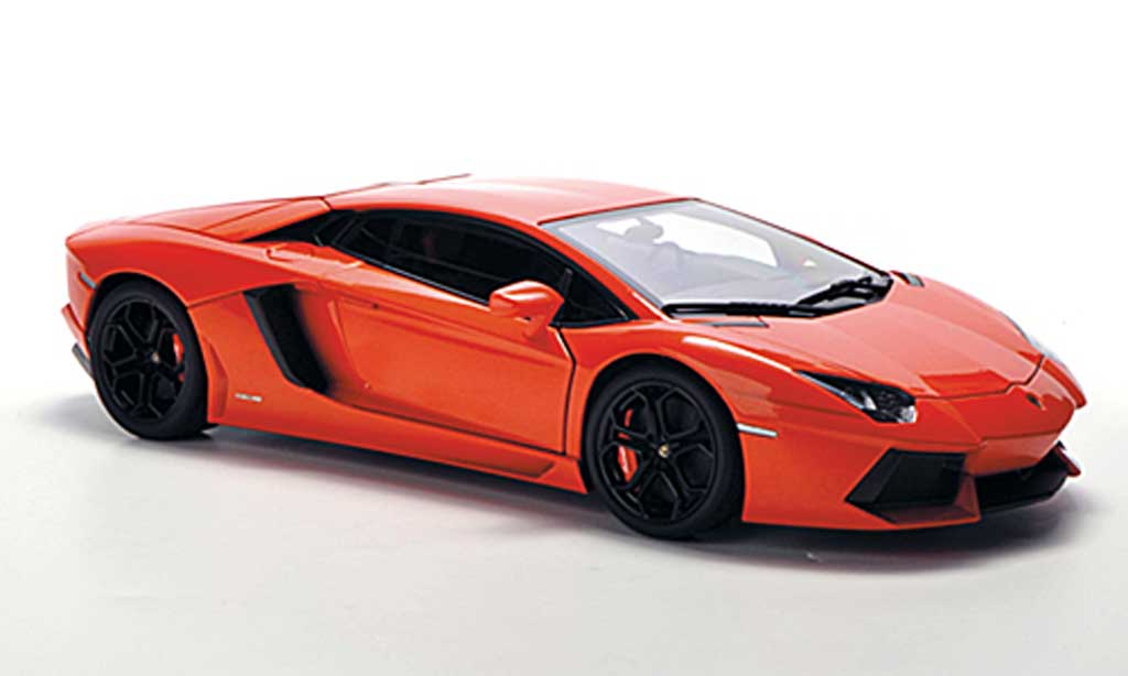 Lamborghini Aventador LP700-4 1/18 Autoart orange 2011 miniature
