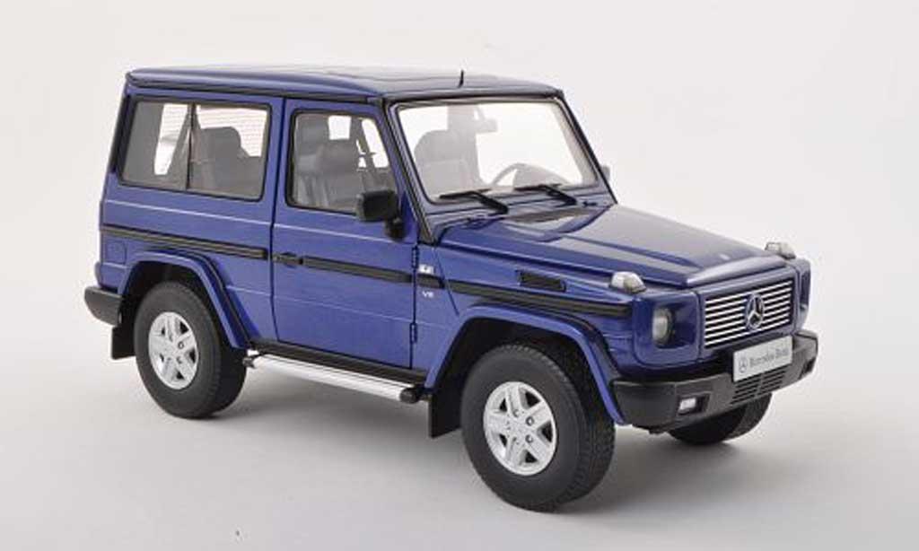 Mercedes Classe G 1/18 Autoart SWB noire-bleu 1998 miniature