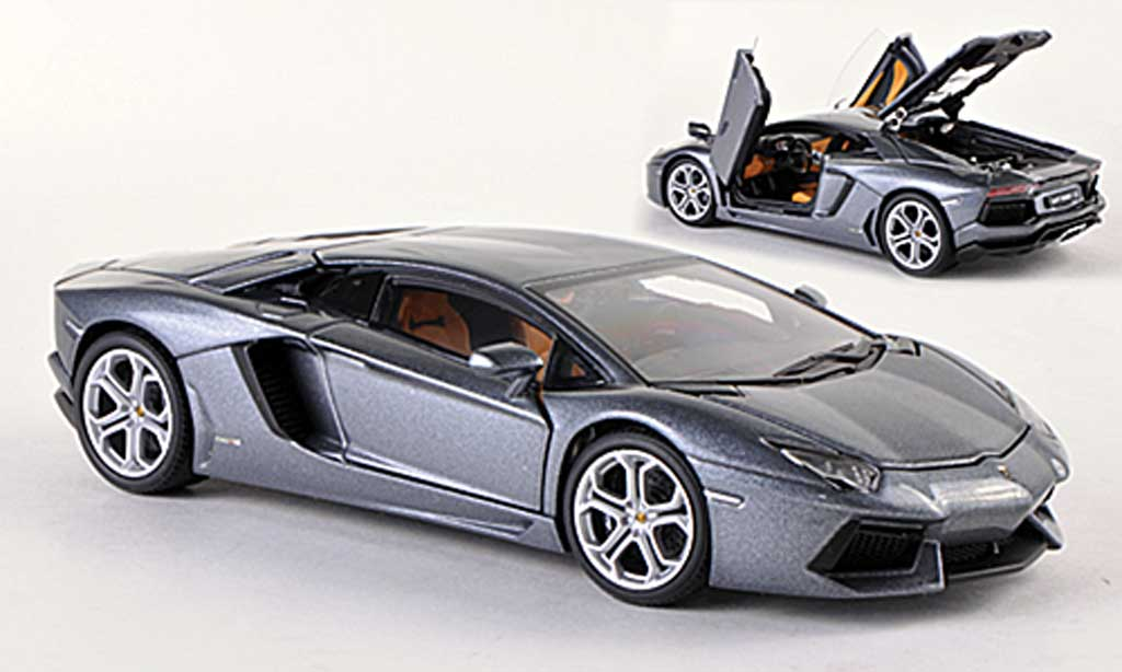 Lamborghini Aventador LP700-4 1/43 Autoart grise  2011 miniature