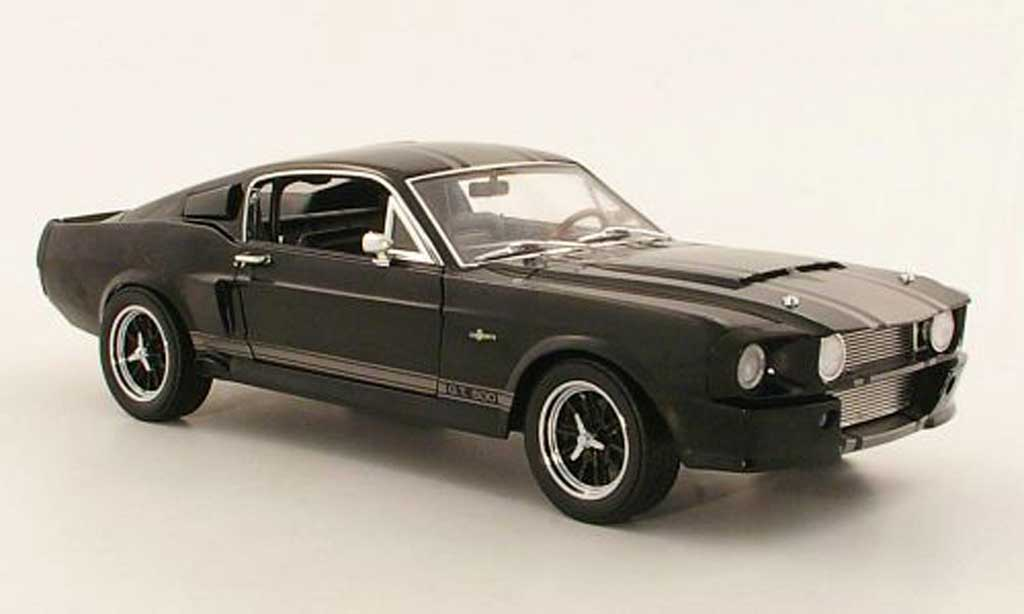 Shelby GT 500 1/18 Shelby Collectibles Super Snake noire/grise 1967 miniature